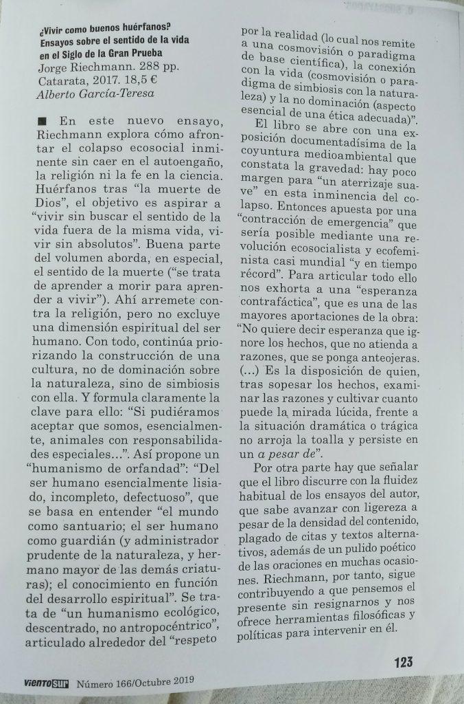 reseña de ¿VIVIR COMO BUENOS HUÉRFANOS¿, Alberto G. Teresa